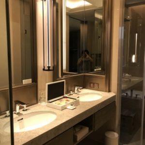 グランドメイフルホテル(美福大飯店)の洗面所の写真。