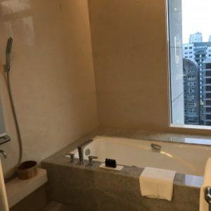 グランドメイフルホテルの浴室。