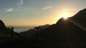 台湾九份にあるホテルから見た風景(朝日)①