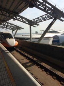 台南駅で撮った新幹線②