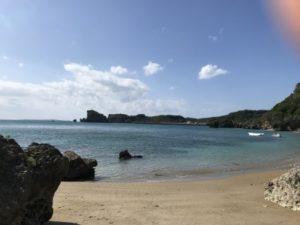 ホテル前の海②
