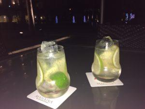 マハイナホテルで飲んだ、シークァーサーのカクテル