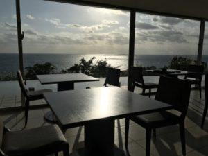 ホテル朝食時にレストランから撮った景色