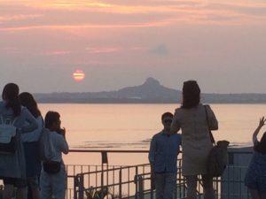 美ら海水族館から見た伊江島たっちゅう