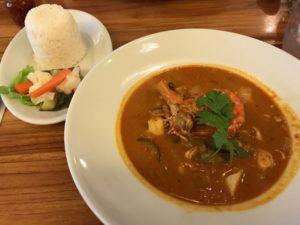 BALI NOON BALI MOON(バリヌーンバリムーン)で食べたシーフードスパイスカレー